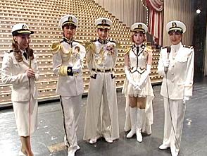 TAKARAZUKA NEWS Pick Up #191「星組宝塚大劇場公演『宝塚花の踊り絵巻』『愛と青春の旅だち』舞台レポート」