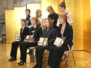 TAKARAZUKA NEWS プレイバック!「阪急すみれ会 表彰式」〜2004年12月より〜