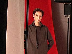 TAKARAZUKA NEWS プレイバック!「2003年卓上カレンダー撮影風景」〜2002年11月より〜