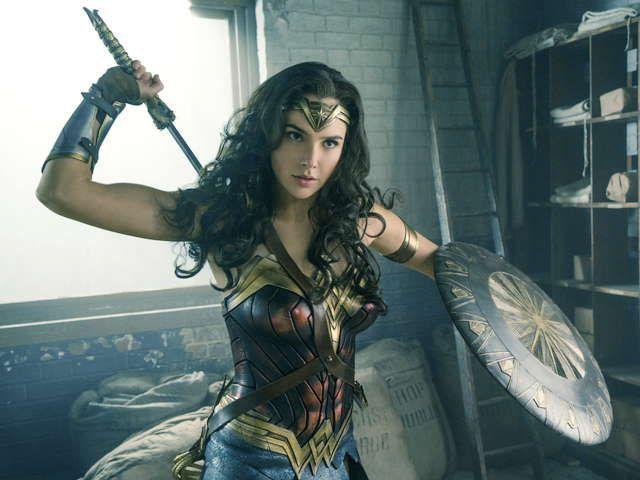 『ワンダーウーマン』史上最強の美女戦士誕生!『ジャスティス・リーグ』のDCが贈る超大作アクション・エンターテイメント!