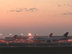 エアポート図鑑・空港24時 深夜の滑走路、そして夜明け