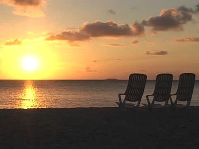 スローブルー ボッサ・モルディブ Sunrise Beach
