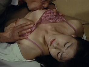 ワイセツ隠し撮り 夫婦の寝室