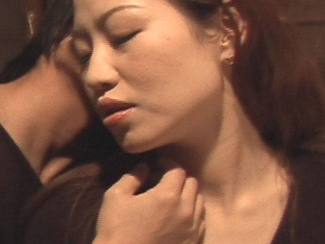同性愛に堕ちていく女たち 重なる唇 交わる乳房