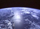 宇宙から見た地球 語り始めた地球