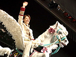 TAKARAZUKA NEWS プレイバック!「雪組公演『ベルサイユのばら』ペガサス舞台装置試乗」〜2006年2月より〜