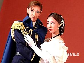 TAKARAZUKA NEWS プレイバック!「花組公演 『落陽のパレルモ』『ASIAN WINDS!!』 ポスター撮影風景」〜2005年9月より〜