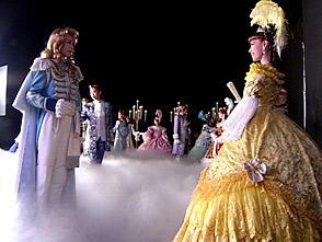 TAKARAZUKA NEWS プレイバック!「星組・雪組公演 『ベルサイユのばら』CM撮影風景」〜2005年9月より〜