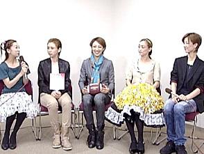 TAKARAZUKA NEWS Pick Up #225「雪組梅田芸術劇場公演『ハウ・トゥー・サクシード』稽古場レポート」